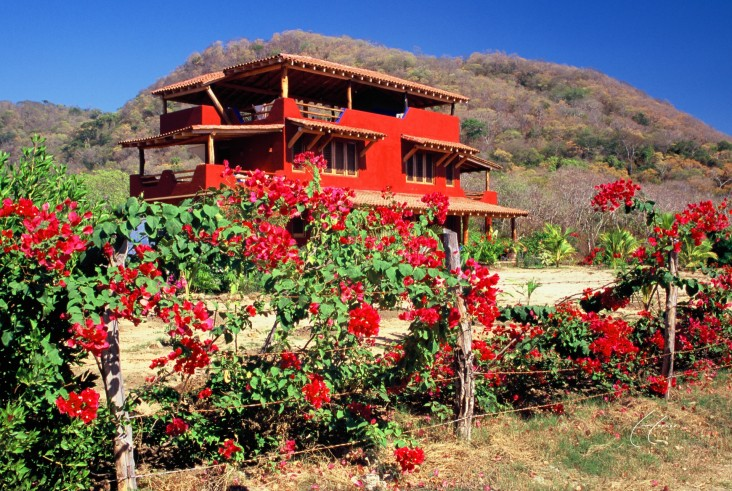 La Casa Manzanillo