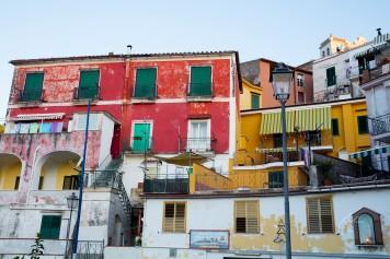 Local Villa Color